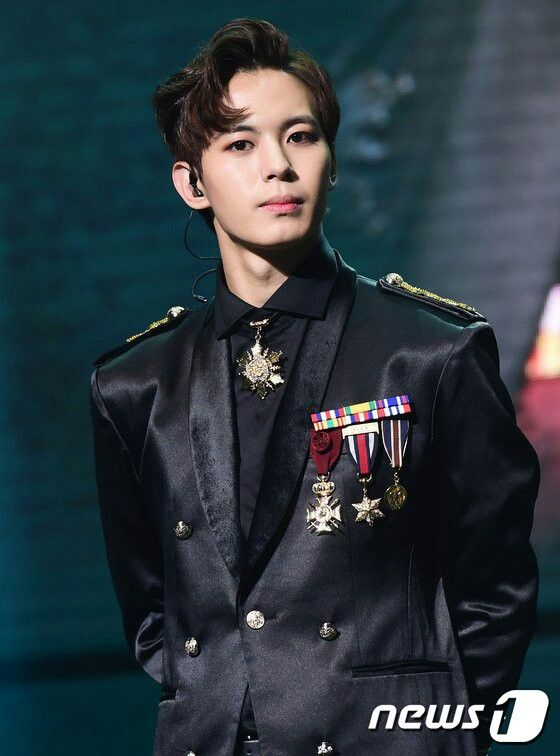 161105 Hongbin VIXX The Closer