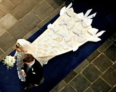 Even the train of Mabel, bride of Prince Friso of the Netherlands, had lots of bows.