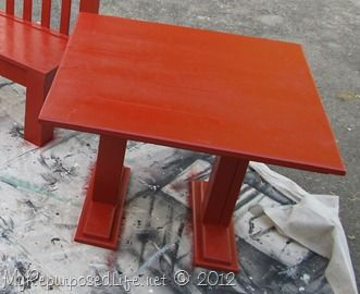 Cute homemade table idea... though, I think I would build with 4 posts/legs instead of 2