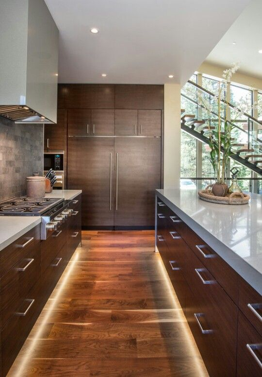 I love everything about this kitchen .. cabinets ,the clean lines , lighting and the colour  .. very nice