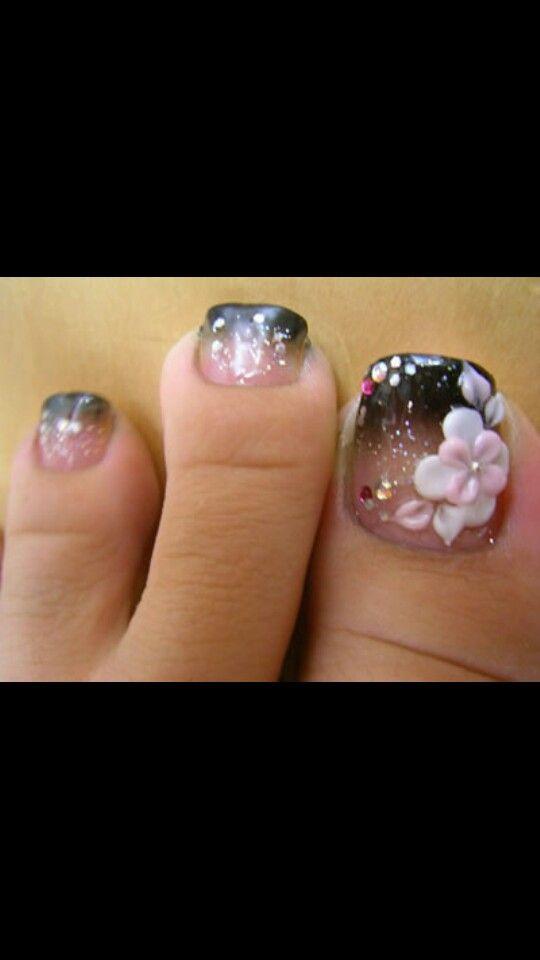3-D toes