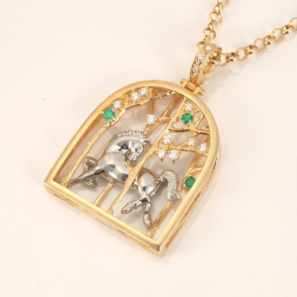 【中古】K18 Pt900 エメラルド 馬 ネックレス/新品同様・極美品・美品の中古ブランド時計を格安で提供いたします。