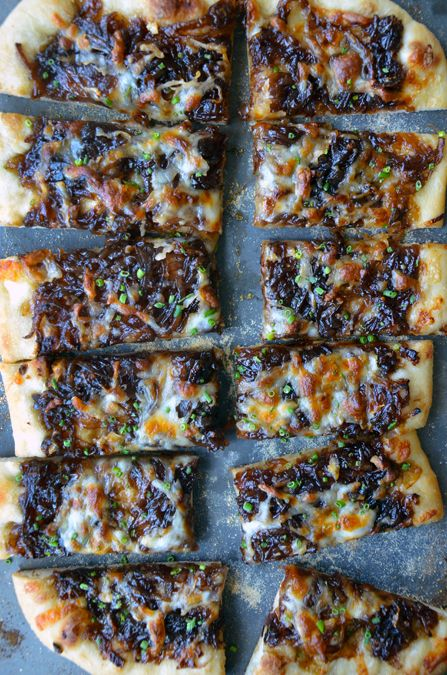 Caramelized Balsamic Onion and Gruyere PizzaPizza Recipe, Balsamic Onions, Caramel Onions, Caramel Balsamic, Parties Appetizers, Gruyere Pizza, Delicious Recipe, Onions Pizza, Gruyere Recipe