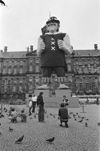 Amsterdam, De reus op de dam ter gelegenheid van Amsterdam 700 jaar.