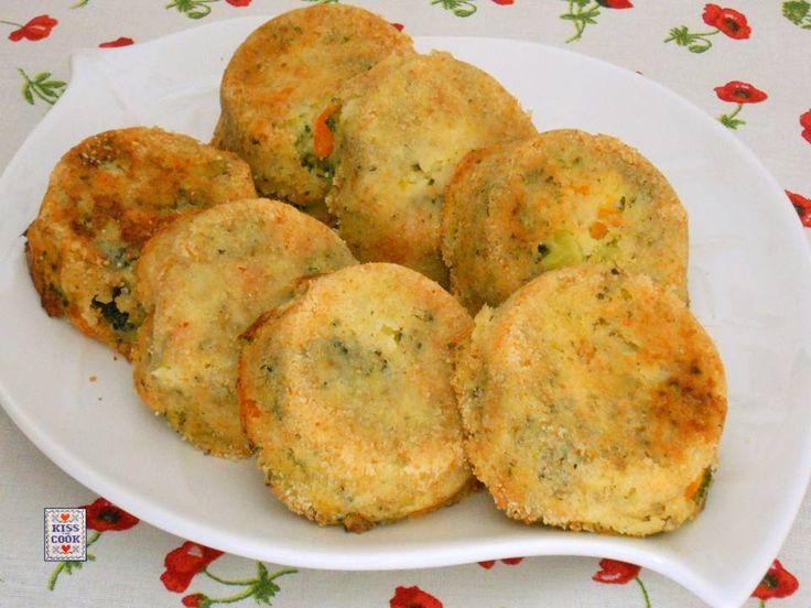 Medaglioni di broccoli, un ottimo secondo piatto vegetariano per il quale ho preso spunto da una ricetta Ikea. Di Kissthecook.