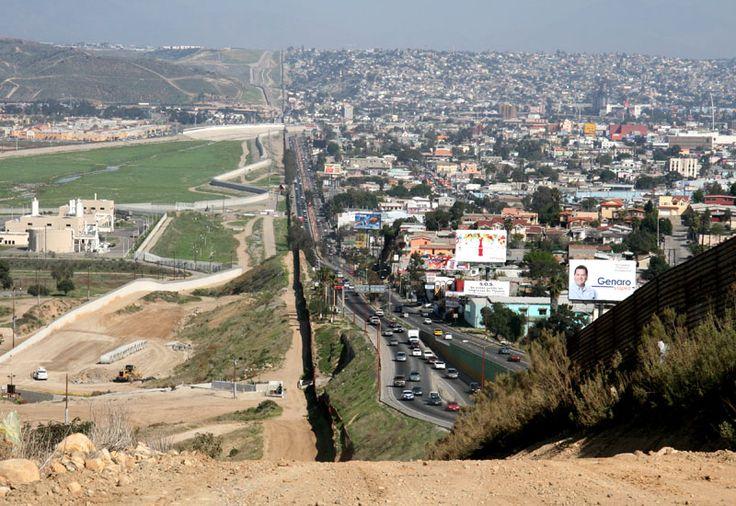 top 50 pics 2011: San Diego, North America, Usmexico Border, Us Mexico Border, Photo, United States, Stainless Steel, Tijuana Mexico, Sandiego