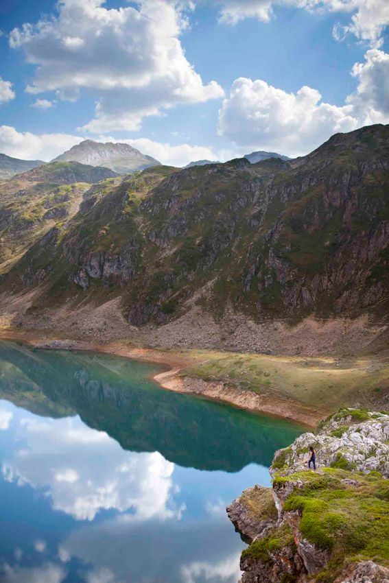 Somiedo Natural Park is located in Asturias (northern Spain). The outstanding element in its landscape is the beauty of the lakes, situated to the south of the borough of Somiedo, high up in the mountain ranges.