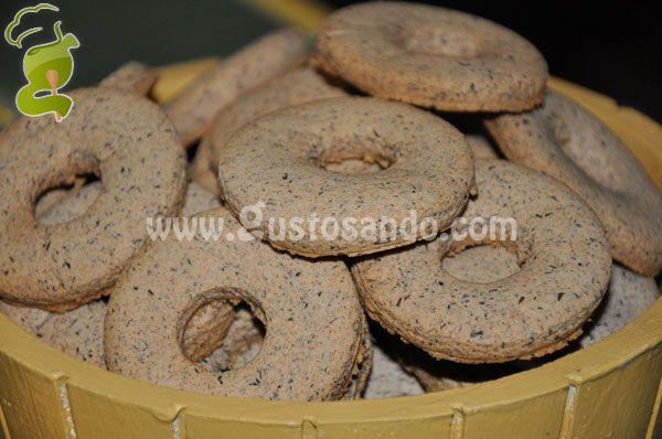 I biscotti di grano saraceno e latte hanno un profumo intenso ed un sapore rustico, ottimi sia per la prima colazione che per una merenda. Sono inoltre indicati per i celiaci in quanto sia il grano saraceno che l'amido di mais sono naturalmente privi di glutine.....