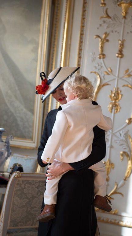 #GiorgioArmani veste la festa Nazionale di #Montecarlo. @armani #LagoBluBlog http://bit.ly/2fk5iSL