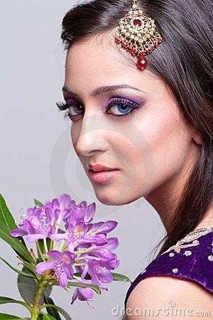 Maquillaje asiático nupcial