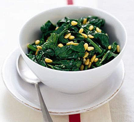 Spinach with pine nuts and garlic