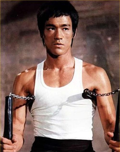 Bruce Lee luv luv luv this picture of him!!!!!