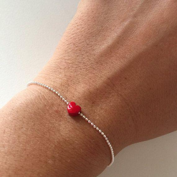 Bracciale con catena in argento 925 con pallini e ciondolo mini cuore rosso