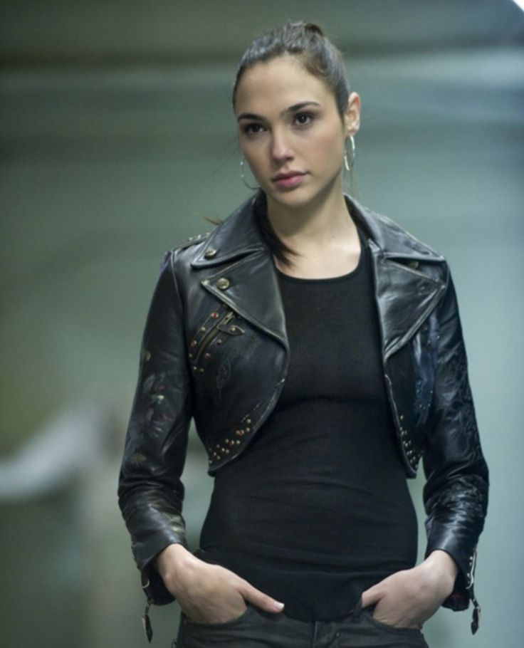 Meet Gal Gadot, The Actress Casted as Wonder Woman in 'Batman vs. Superman' | Airows