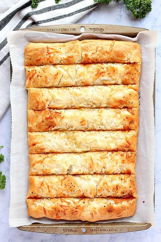 Knoblauchbutter Cheesy Breadsticks Rezept – der einfachste Weg, um Käse gefüllt zu machen …   – Recipes