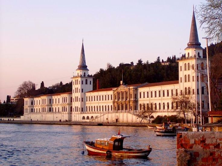 Goodmorning from Istanbul…  Kuleli Military School is historical landmark was built on the Asian side of the Bosphorus during the Ottoman period and was the first military school in Turkey.  … İstanbul'dan Günaydın…  Türkiye'de ilk askeri okul olan Kuleli Askeri Lisesi, Osmanlı döneminde inşa edişmiş, Asya yakasında bulunan tarihi abidelerden biridir.