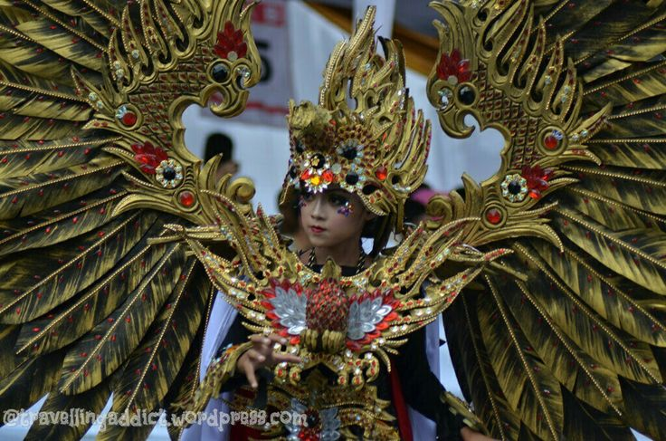 There's 10 new and unique theme for this Wonderful Artchipelago Carnival Indonesia (WACI) : garuda, woods, chandelier, refugees, paradisaea, oceans, asian games, hortus, technocyber, dan barong. This costumes represent Garuda. http://travellingaddict.wordpress.com  #waci #jemberfashioncarnival #jemberfashioncarnival2016 #jff #jff2016 #wonderfulindonesia #visitindonesia #indonesia #jember #travel #instatravel #carnival #carnivalindonesia #worldcarnival