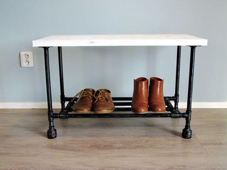 Industriální lavička (industrial shoe storage bench)