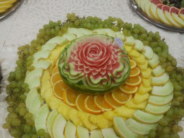 Sculpturi fructe, masa de fructe, bar de fructe, fantana de ciocolata www.imperatoria.ro