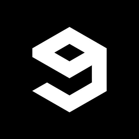 9gag (prononcé « nine gag » en anglais) est un site web d'humour rédigé en anglais, basé sur le partage d'images. Ce site met en scène un grand nombre de mèmes Internet. Il est, selon Alexa, l'un des 500 sites les plus visités du web en juin 2013.
