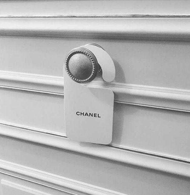 Do not disturb… unless bearing Chanel 😉  ✖