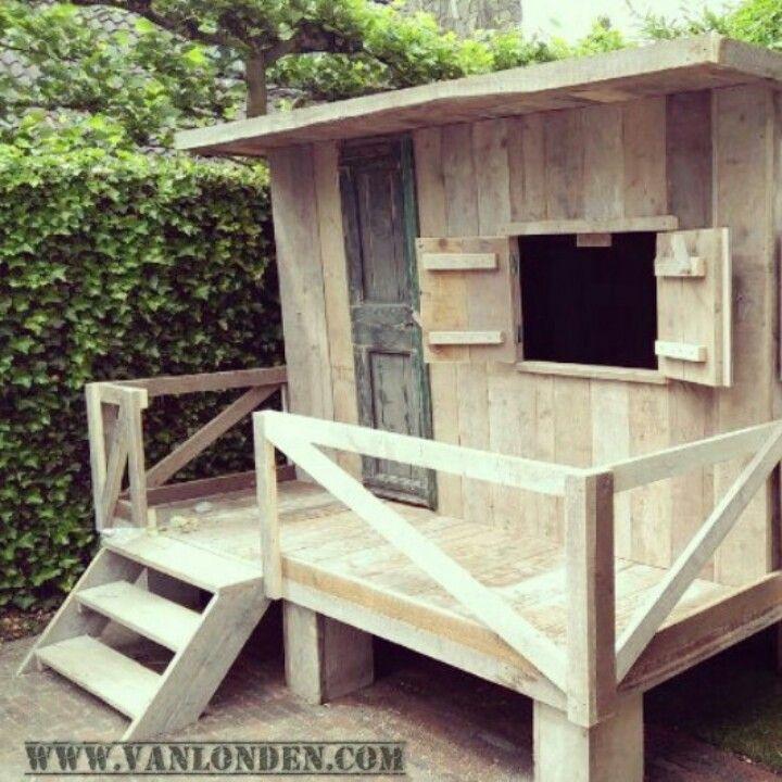 Speelhuis van steigerhout