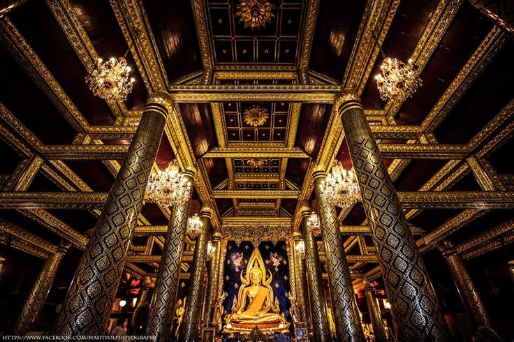 """""""Buddha"""" Wat Phra Si Rattana Mahathat Phitsanulok. Buddha is Buddha nature is beautiful in the country. It is a precious cultural heritage of Phitsanulok."""