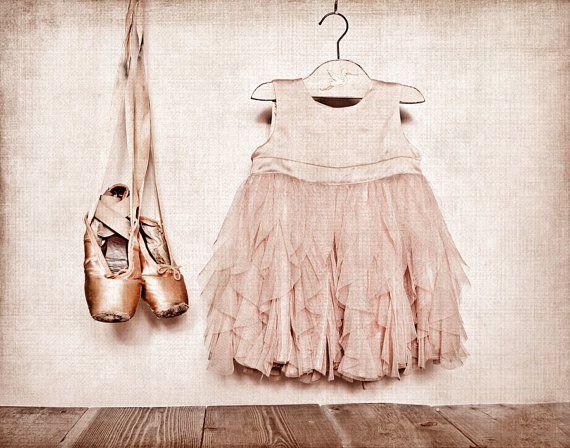 Vintage Ballet Slippers en jurk Photo Print door shawnstpeter