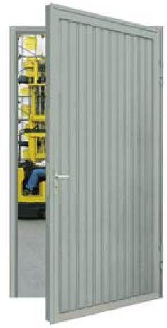 Masszív acélajtó kültéri használathoz kínálatunkban!  http://www.feherkaputechnika.hu/termek.php?dirl=kepek/termekek/tobbcelu/&dir=SLE&p=T%F6bbc%E9l%FA_ajt%F3k