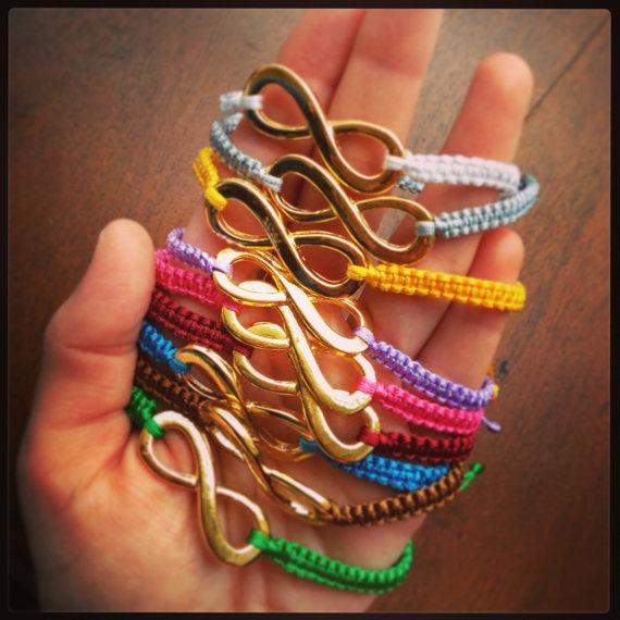 Macrame infinity bracelets by HappyDonkey on Etsy, €5.00
