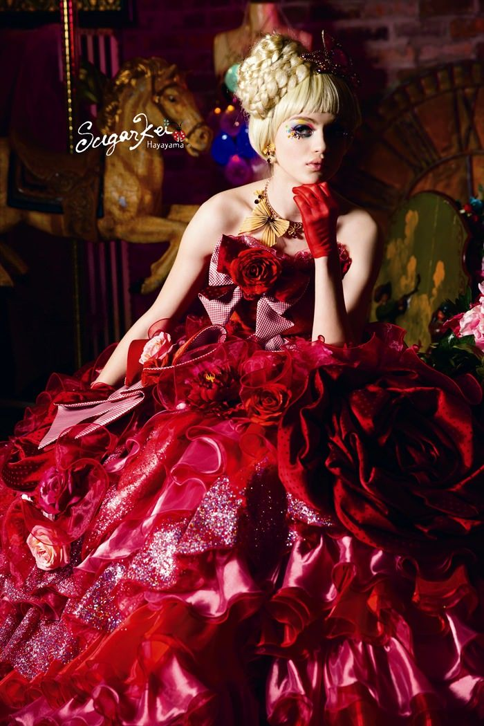 Rouge éclatant pour cette robe    SugarKei
