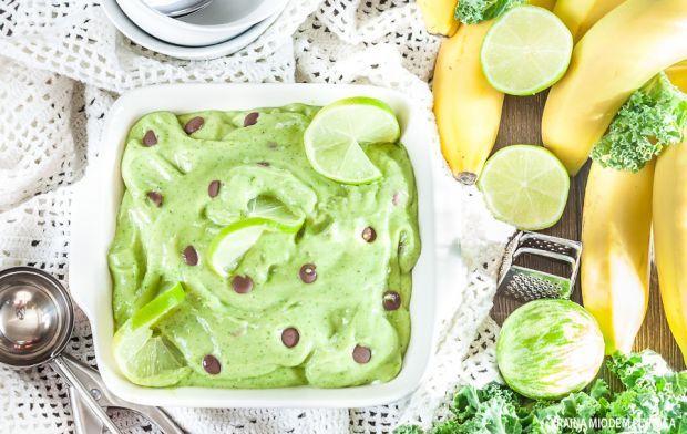 Limonkowe lody z czekoladą i jarmużem