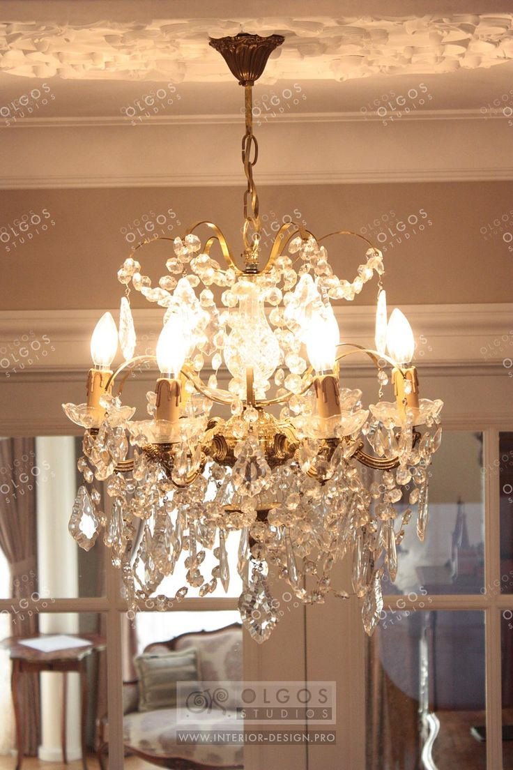 Luxury Chandelier in Classic Style  http://interior-design.pro/en/house-interior-design