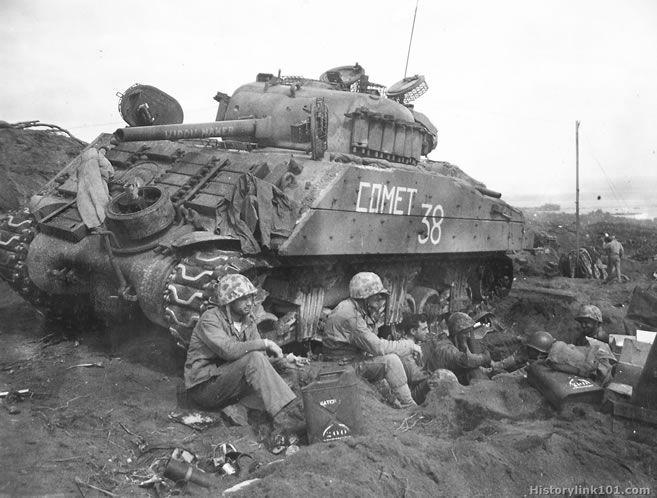 U.S. WWII M4A3 Sherman Medium Tank (75mm and 105mm) - Tankograd - Superb Ref!