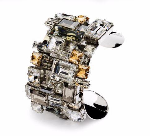 Swarovski catalogo 2015 2016 e prezzi: gioielli retrò e cosmopoliti Manhattan Bracciale rigido, Atelier Swarovski by Philippe Ferrandis 499.00 euro