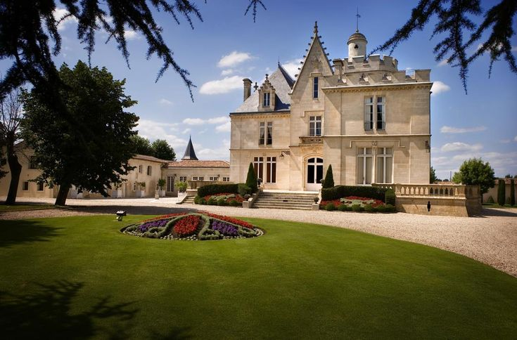 Bed and Breakfast Château Pape Clément, Pessac, France - Booking.com