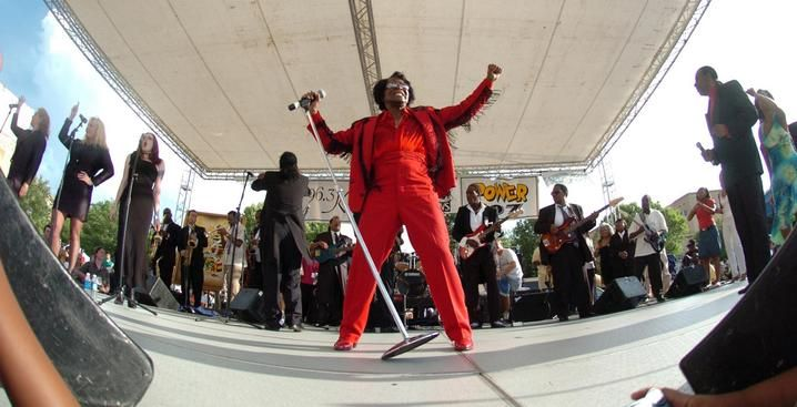 James Brown Wife Velma Warren | Music legend James Brown performs at the James Brown Soul of America ...