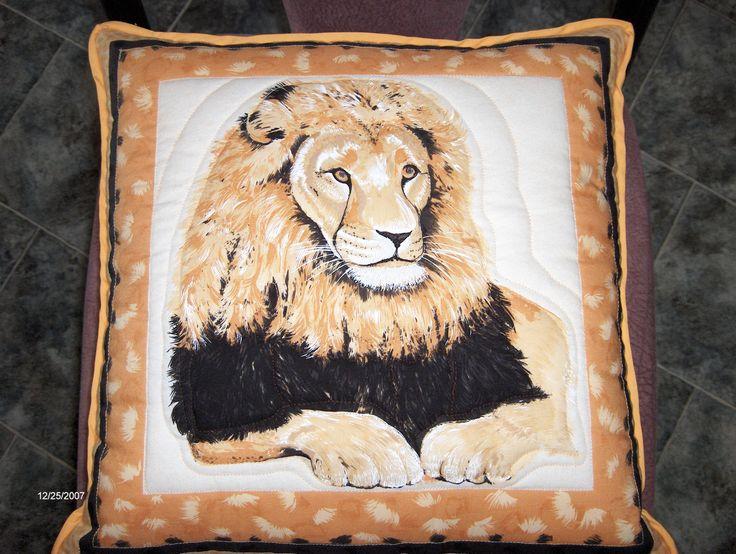 Lion cushion 02 - BaRb