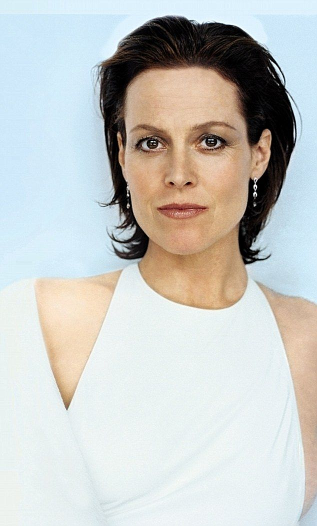 It's hard to imagine but actress Sigourney Weaver said she struggled with confidence as a child