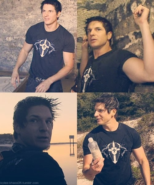 Zak Bagans.   Attractive to the eyes but it's his dorky, adventurous personality that gets me.<3