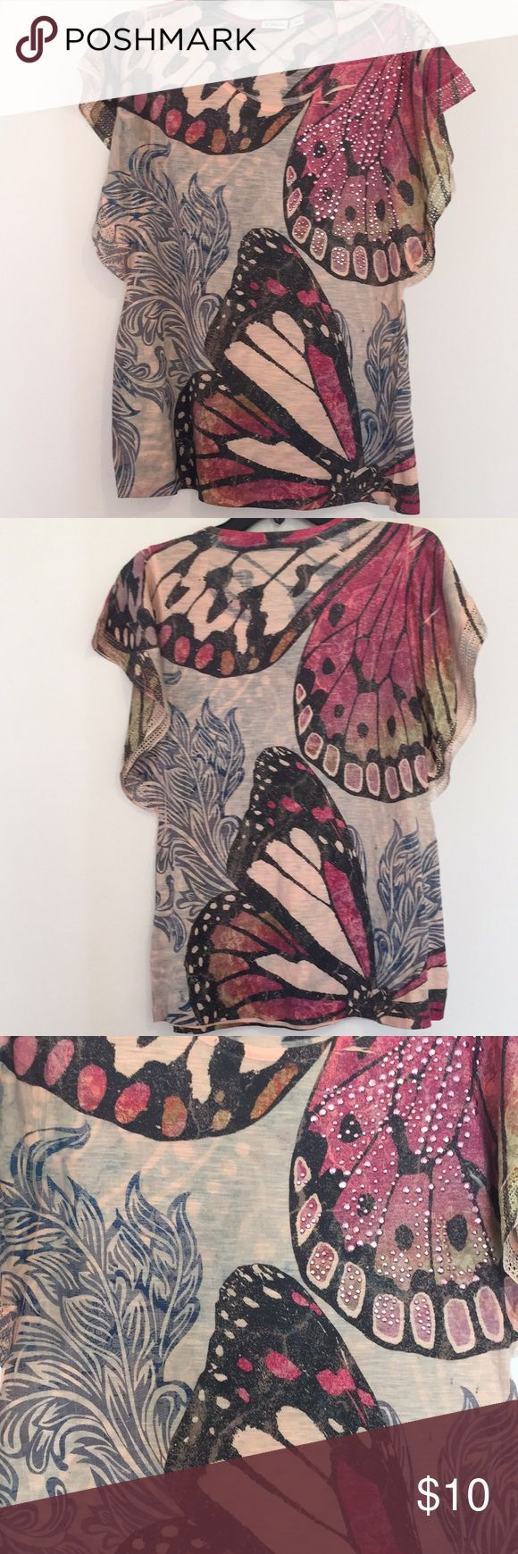Cato Butterfly Top Cato butterfly top, size Medium. Cato Tops