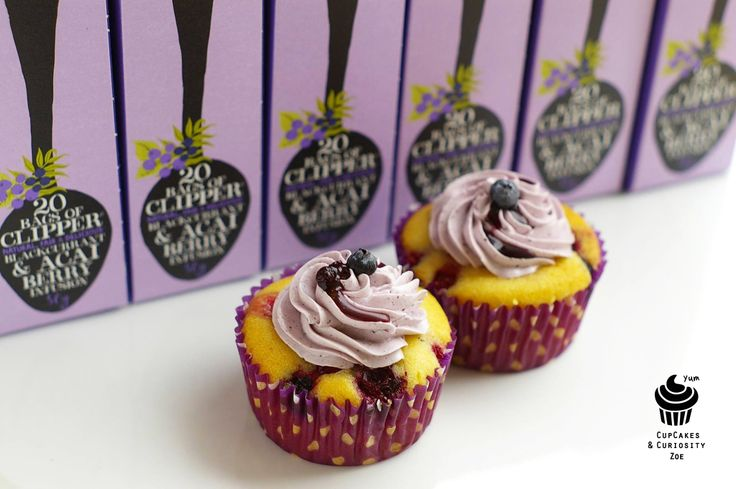 mixed berry cupcakes