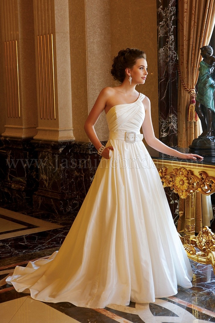 Discover The Jasmine Bridal Gown Find Exceptional Gowns At Wedding Shoppe
