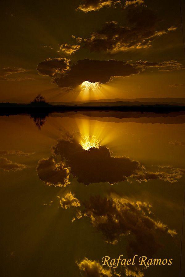 Photo ...reflejos en el desierto... by Rafael Ramos Fenoy on 500px