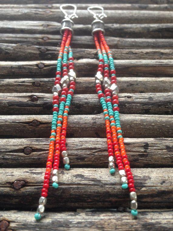 Je ne peux pas obtenir assez de combinaison de couleurs rouge, orange et turquoise ! Graine de style long sud-ouest perles Boucles doreilles