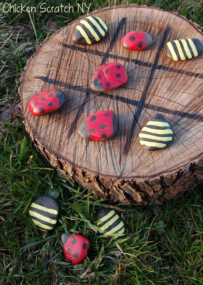 "Tic Tac Toe on a tree stump? DIY ""Kerplunk"" using chicken wire & kabob skewers? Check out these summer DIY backyard game ideas."