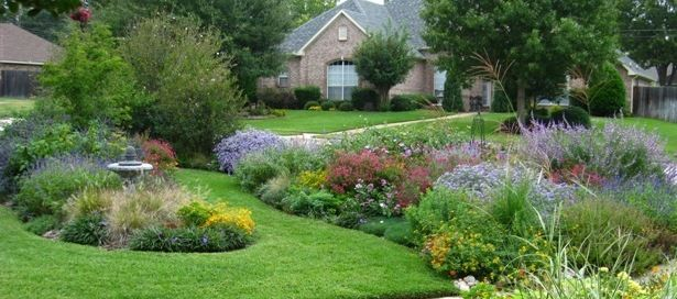 This woman is from Grapevine and has AMAZING advice for Texans and what they should plant! U should c her yard!!! Container plant combinations advice!