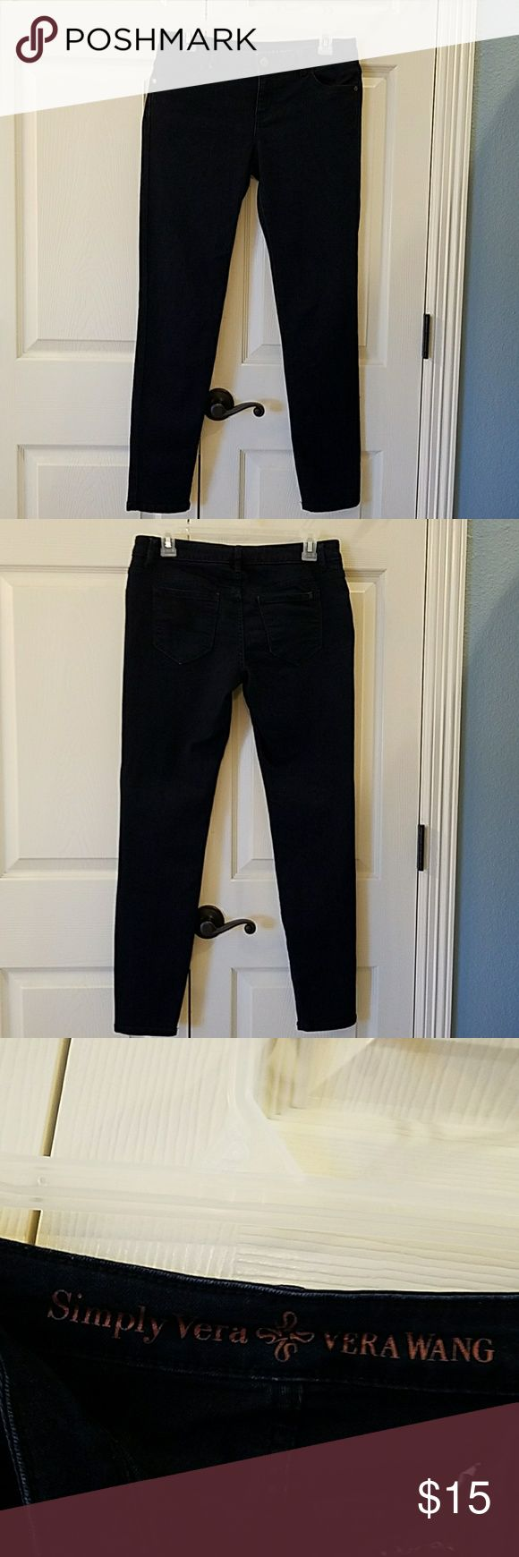 Simply Vera Vera Wang Skinny Ankle Jeans EUC Very dark blue wash skinny ankle jeans.  Only worn a couple tines.  No flaws. Simply Vera Vera Wang Jeans Skinny