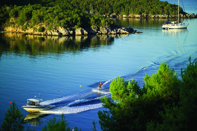 Amazing views! Stunning coastline to explore! Fantastic waterskiing and wakeboarding destination!