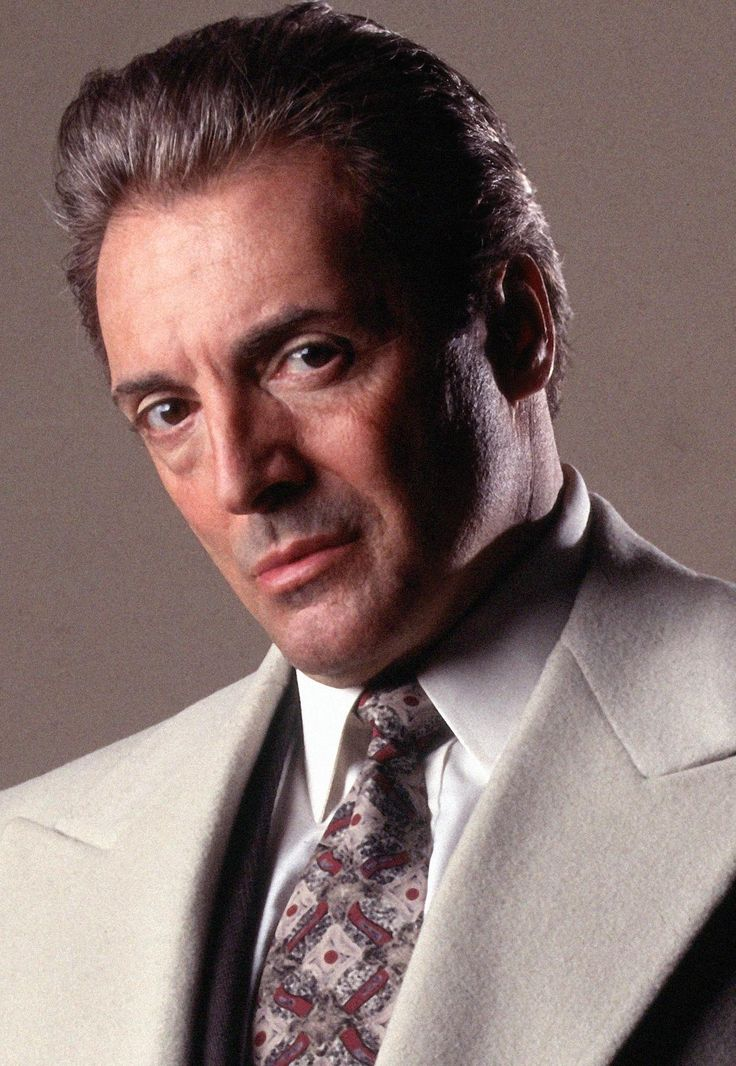 Armand Assante as Flavio Pricci
